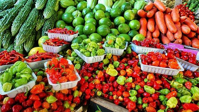 farmers-market-1329008_640